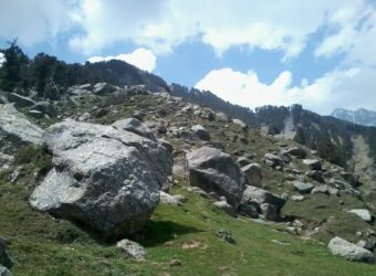 Best treks for beginners in Himachal Pradesh