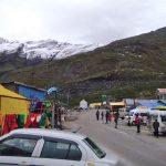 हिमाचल में ताज़ा बर्फ़बारी, बंद हुआ मनाली लेह हाईवे